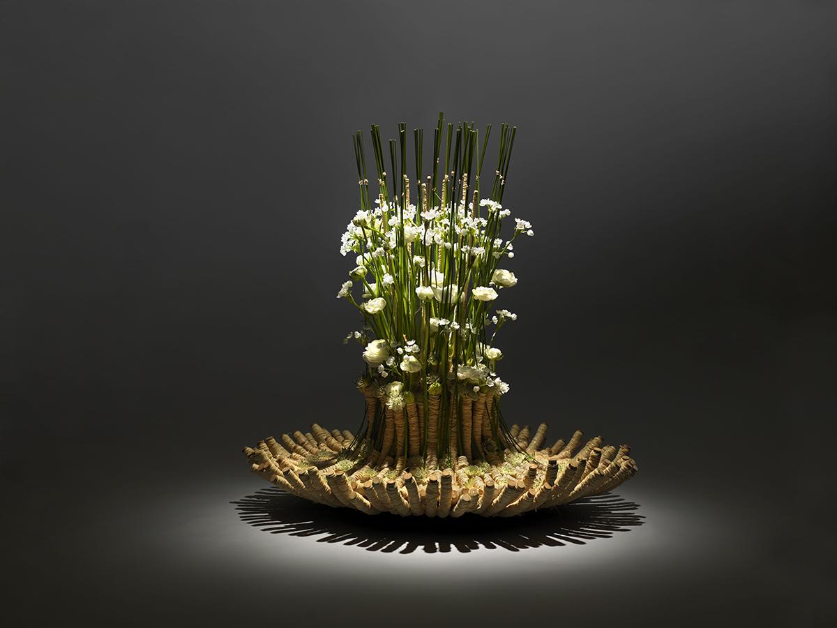 The floral design manual: materials & techniques by pim van den.